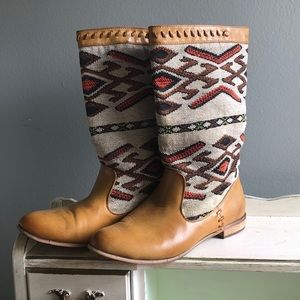 Western style statement boots NAVA by wanted